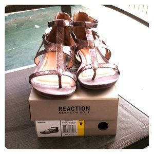Reaction Kenneth Cole women sandle